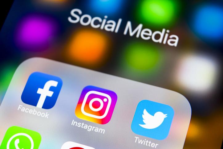 スマホのSocial Mediaという枠の中にFacebook,Instagram,Twitterが存在する